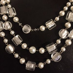 WHITE HOUSE BLACK MARKET Pearl Glass Necklace.